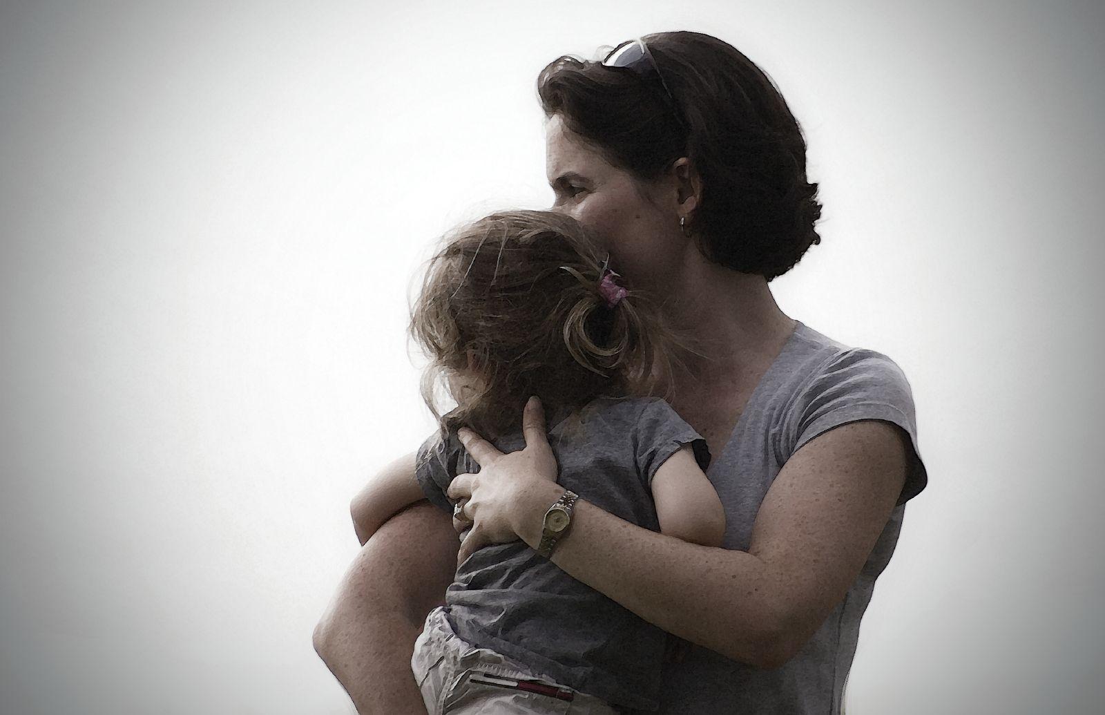 усыновление ребенка одинокой матери хотелось