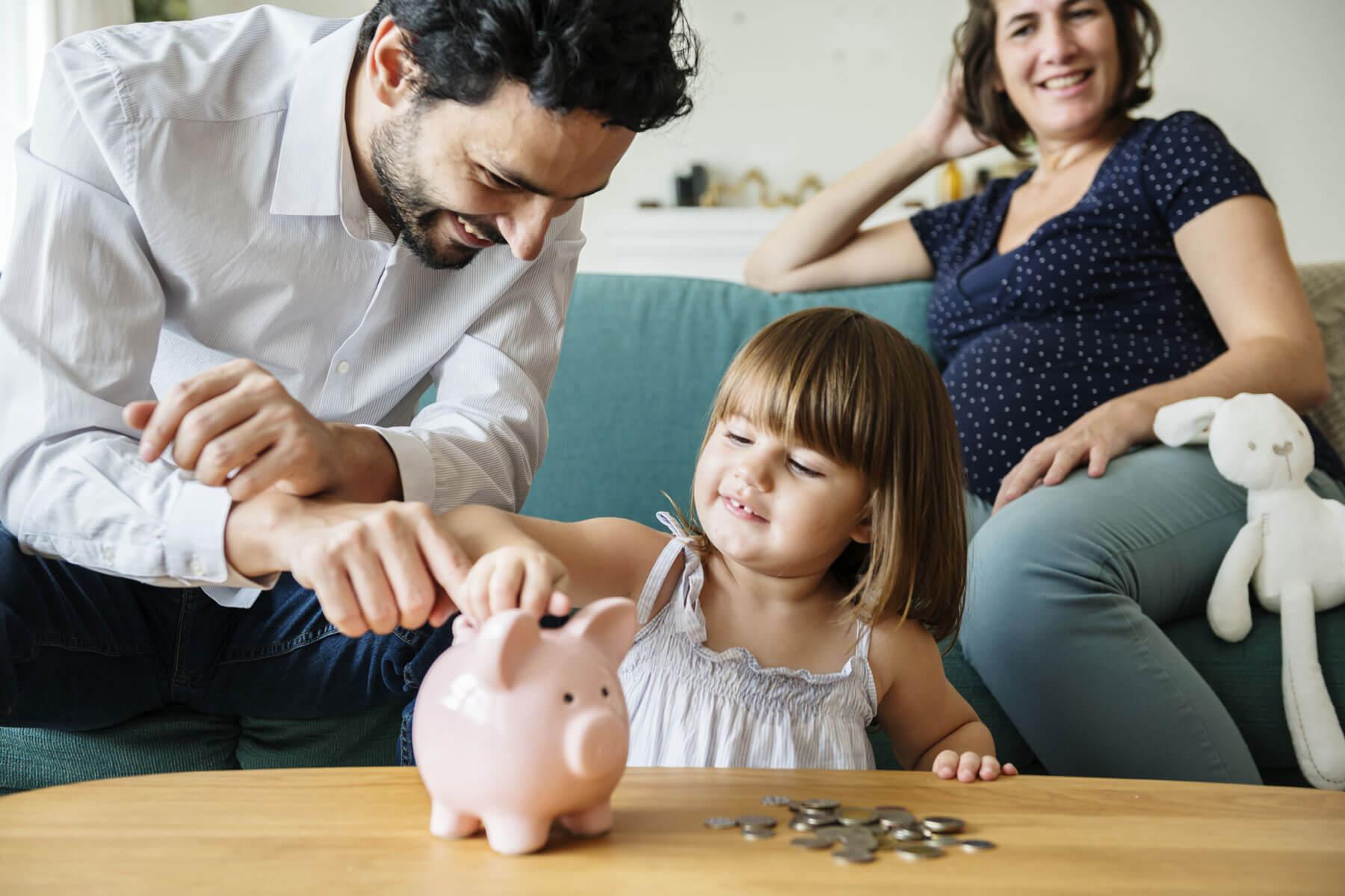 Выплаты молодой семье при рождении ребенка в 2020 году